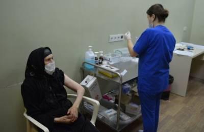 В Грузии от коронавируса вакцинировалась 102-летняя женщина