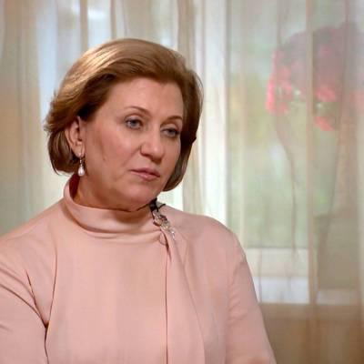 Попова: Ковид-ограничения в России пока ослаблять рано