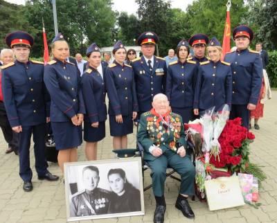 В Смоленской области сотрудники СКР поздравили ветерана Великой Отечественной войны со 100-летним юбилеем