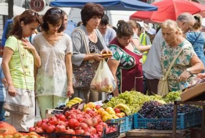 Не время отдыхать и покупать! Каждому седьмому в Украине не хватает денег на еду