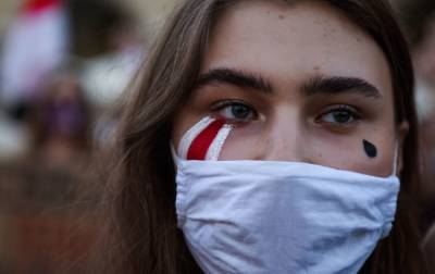 """Сегодня годовщина начала """"бело-красно-белых"""" протестов в Беларуси: что о них известно"""