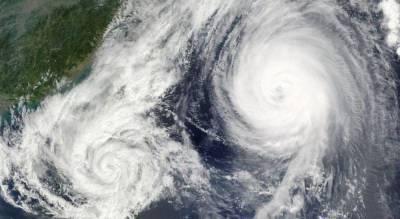"""На Японию надвигается тайфун """"Лупит"""": людей готовят к эвакуации"""
