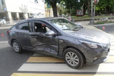 42-летняя женщина пострадала в ДТП в центре Пскова
