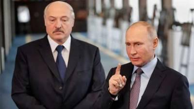 """Лукашенко заявил, что мог бы вместе с Путиным поставить Украину """"на колени"""""""
