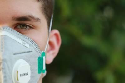 Петербург вышел на первое место в стране по количеству случаев коронавируса COVID-19 за сутки