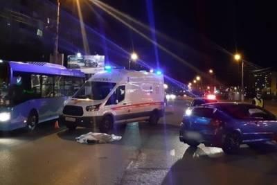 Водитель, который насмерть сбил женщину с таксой в Твери, предстанет перед судом