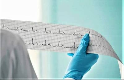 Названы три симптома, при которых следует обратиться к кардиологу