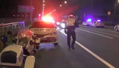 Полиция прервала стритейсерский заезд с участием 150 машин и 1000 человек в Петербурге – видео