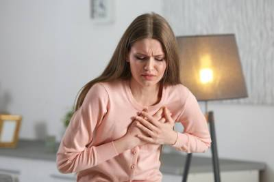 Кардиолог Шугушев назвал три симптома для срочного обращения к врачу