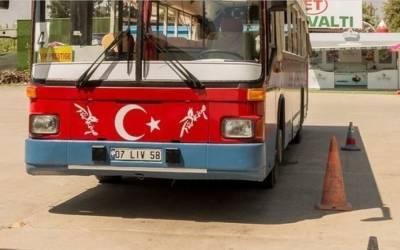 Опубликовано видео с места аварии автобуса в Турции, в котором пострадали украинцы