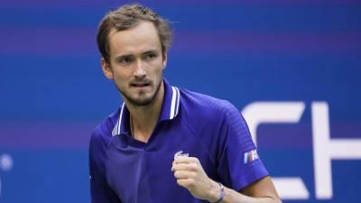 Первый тренер Медведева: рада, что Даниил держит российский теннис на своих плечах
