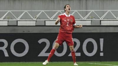 Канчельскис заявил, что Фернандеса пока некем заменить в сборной России по футболу