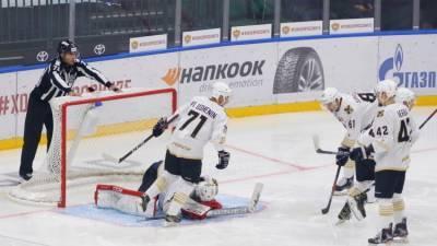 «Адмирал» переиграл «Северсталь» и одержал первую победу в нынешнем сезоне КХЛ