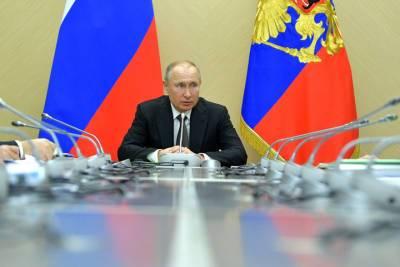 Путин проведет на самоизоляции больше недели