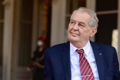 Президент Чехии лег в больницу