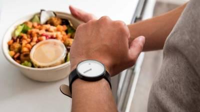 Диетологи назвали вредные для худеющих пищевые привычки