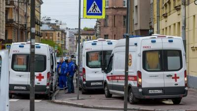 Петербург опустился на второе место по числу заболевших коронавирусом за сутки