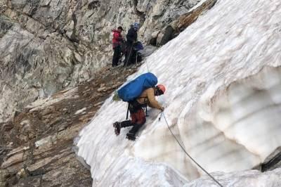 Число погибших при сходе ледника в Карачаево-Черкесии возросло до двух