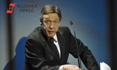Михаил Ефремов сдает наркодилеров, сидит на домашнем аресте, оставил семью без денег: что из слухов об актере правда