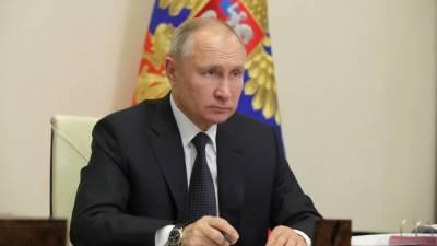 Путин назвал переболевших Covid-19 в своем окружении