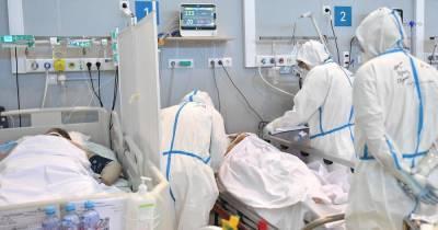 Эксперт назвал дату снижения заболеваемости COVID в России