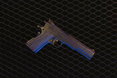 Подозреваемый в убийстве семьи хранил арсенал оружия в своей машине под Воронежом