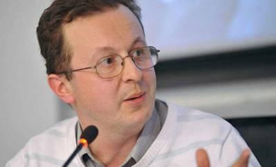 Политолог Бабич призвал защитить россиян от незаконных арестов за рубежом