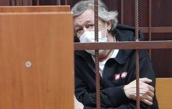 Михаил Ефремов услышал решение суда на кассационную жалобу о смягчении приговора