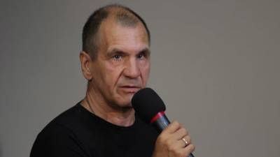 Шугалей считает, что россияне за границей находятся «под ударом»