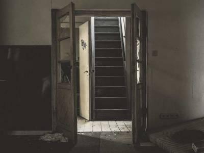 В центре Воронежа в квартире найден полуразложившийся труп пенсионерки