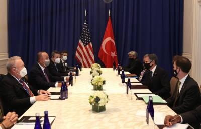 Чавушоглу обсудил с госсекретарем США ситуацию на Кавказе