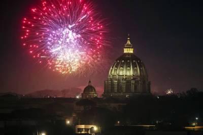 Россияне назвали самые желанные страны для празднования Нового года