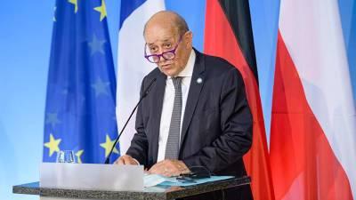 Франция указала на кризис в отношениях с США из-за контракта по подлодкам