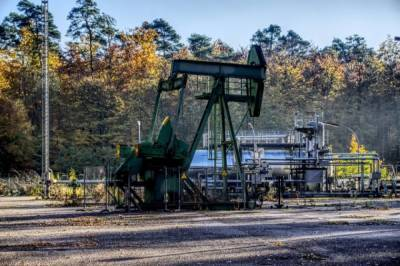 Цена нефти Brent превысила $75 за баррель