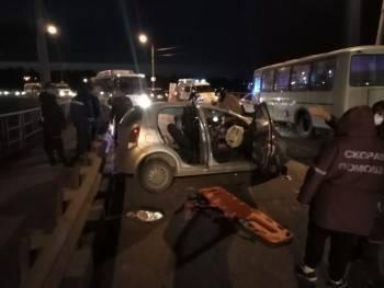 Очередное серьезное ДТП с пострадавшими произошло пару часов назад в Вологодской области