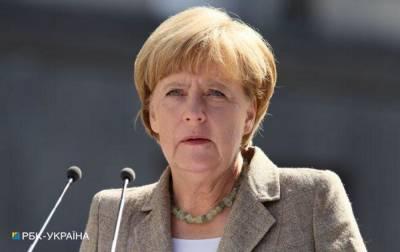 """Ситуация сложная, прогресс незначителен: Меркель обсудит """"Нормандию"""" с Макроном"""