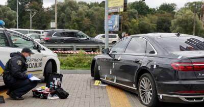 В машину советника Зеленского выпустили 19 пуль