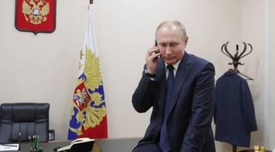 Путин проголосовал на выборах с телефона своего помощника — Кремль