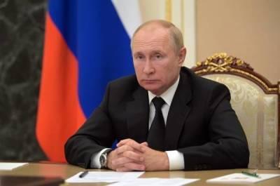 В Кремле объяснили уход Путина на самоизоляцию