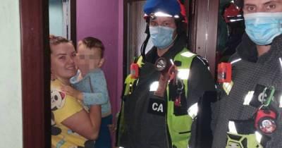 Трехлетний россиянин заперся один в квартире в Москве