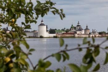 Губернатор Кувшинников поздравил вологжан с днем рождения Вологодской области