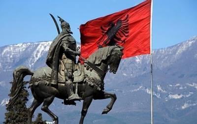 Экс-генпрокурора Албании приговорили к тюрьме за коррупцию