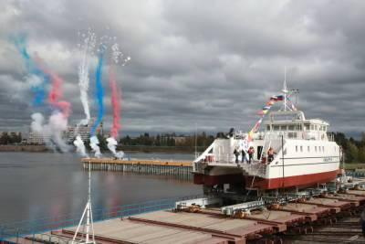 Первое судно, созданное по студенческому проекту, спустили на воду в Петербурге