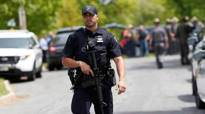 Полиция эвакуировала людей из магазина Disney в центре Нью-Йорка из-за сообщения о бомбе