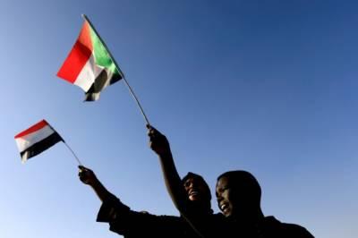 Протестующие в Судане перекрыли нефтепровод и захватили аэропорт