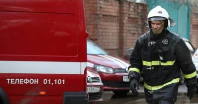 Человека спасли из горящей квартиры на юго-востоке Москвы