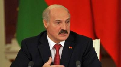 """""""У нас серьезные проблемы"""": Лукашенко оценил ситуацию у границ Белоруссии"""