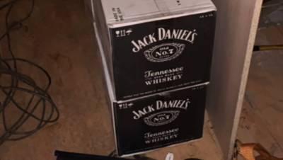 В деревне под Петербургом нашли цех по производству контрафактного алкоголя