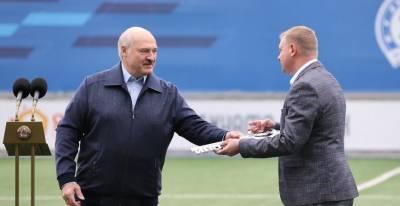 """Александр Лукашенко: """"Динамо-Минск"""" должно встряхнуть весь белорусский футбол"""