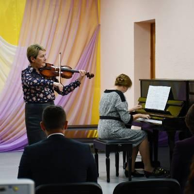 В райцентре Смоленской области обновили Детскую школу искусств